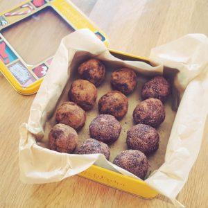 cinnamon date balls