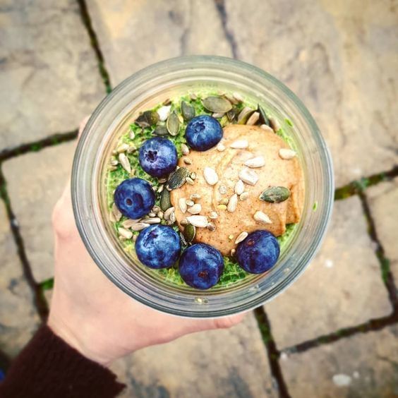 Vibrant overnight oats with chia seeds